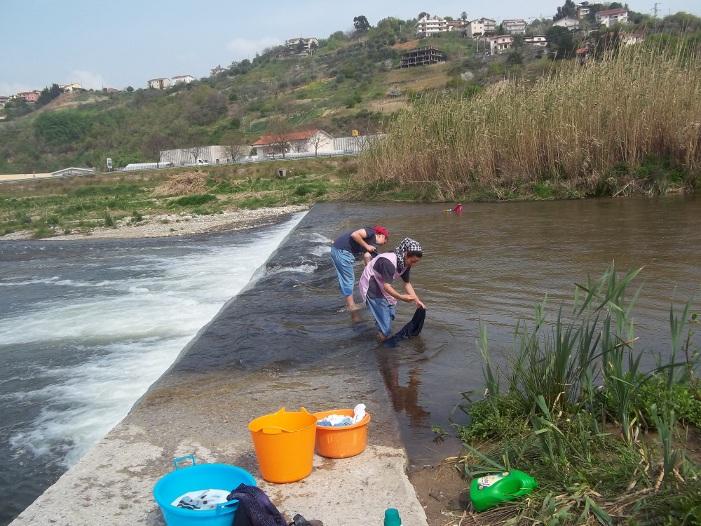 Calabria- al fiume per lavare i panni