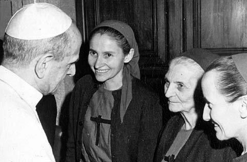 1973- sorelle Magdeleine, Annie, Jeanne con Paolo VI