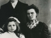 1906- con i genitori a Nantes