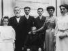 1909- foto di famiglia con al centro la nonna