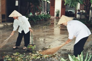 Vietnam-due sorelle al lavoro