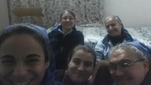 Le sorelle che hanno realizzato il messaggio di Natale in Iraq. Rania, Giulia Amata,Afnan, Ragià, Rinia.